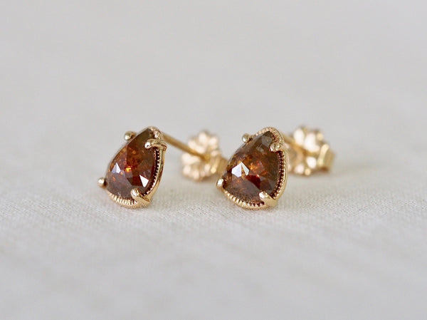 Rustic Brown Drop Diamond ピアス