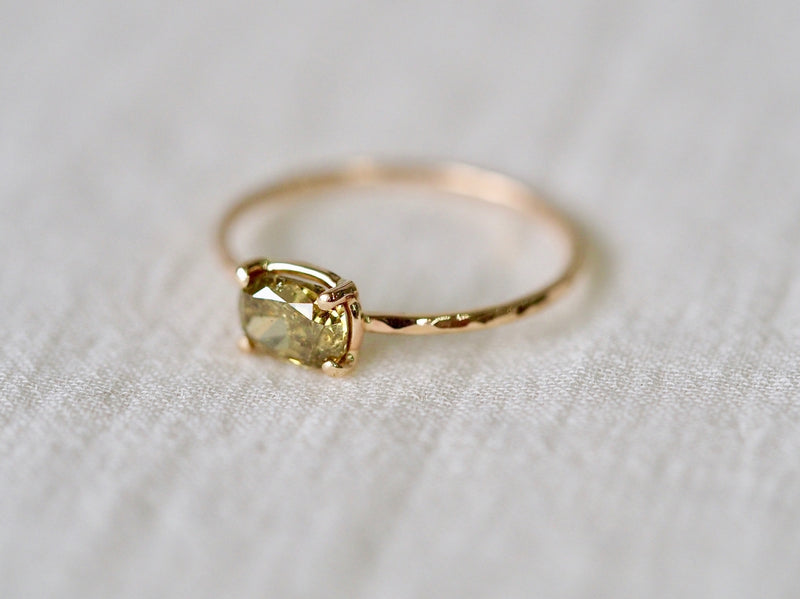 Lotuspond Diamond Ring