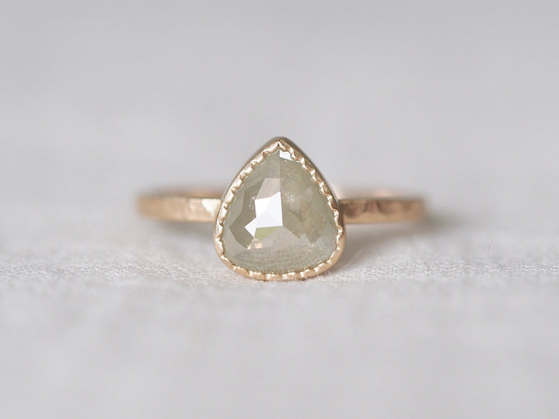 Pale Cloud Diamond Ring
