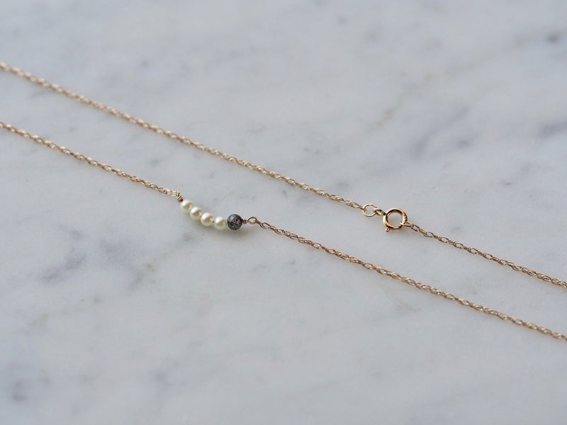 gentle love necklace yellow gold