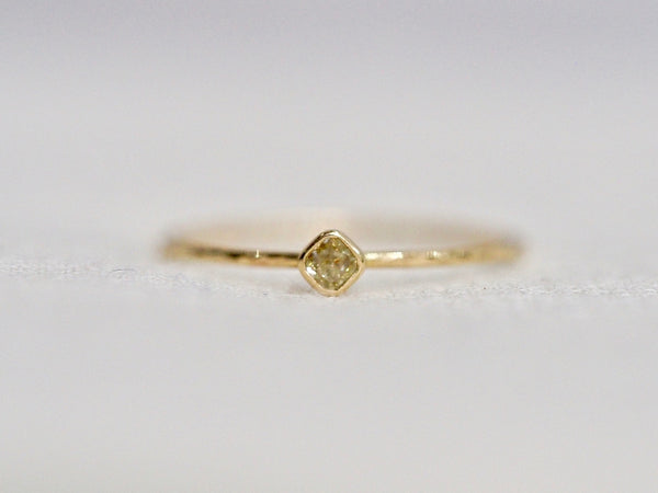 Whisper square ring #1023
