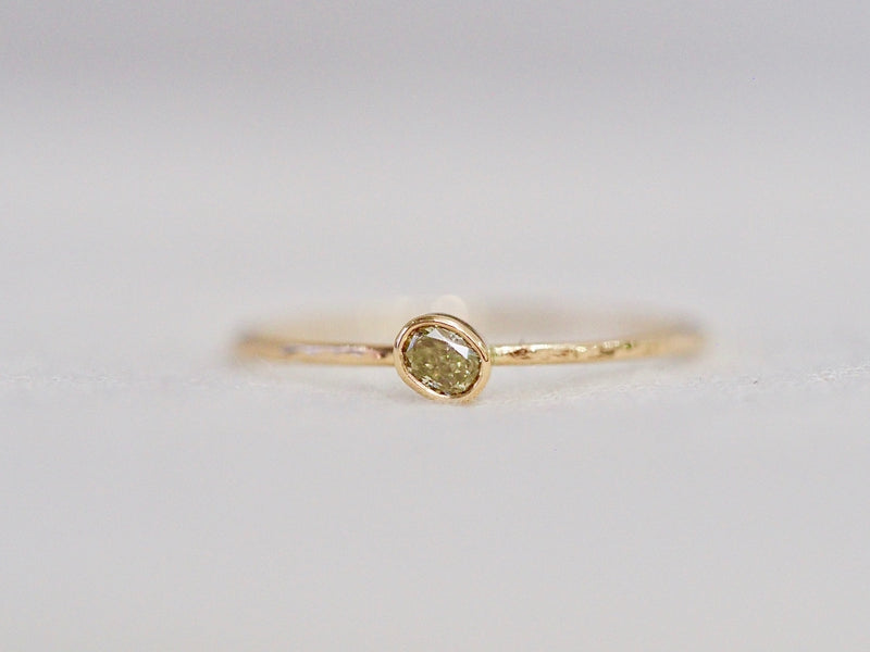 Whisper oval ring  #1002