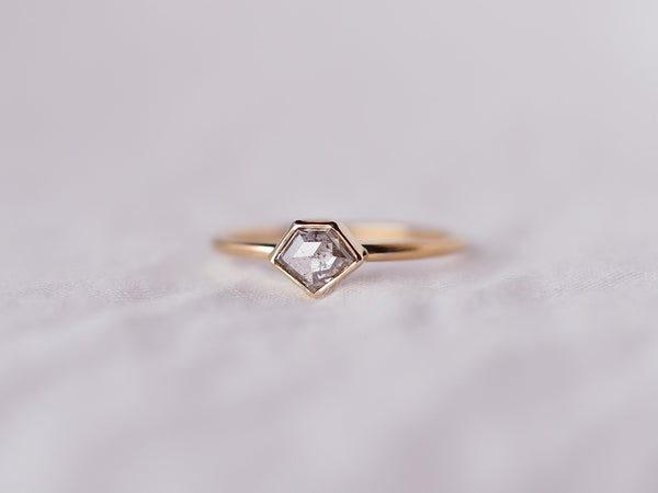 Stella Diamond Geometric Ring