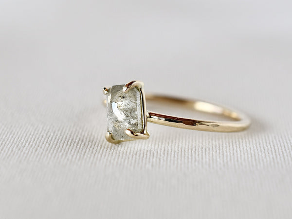 Silver horizon diamond ring