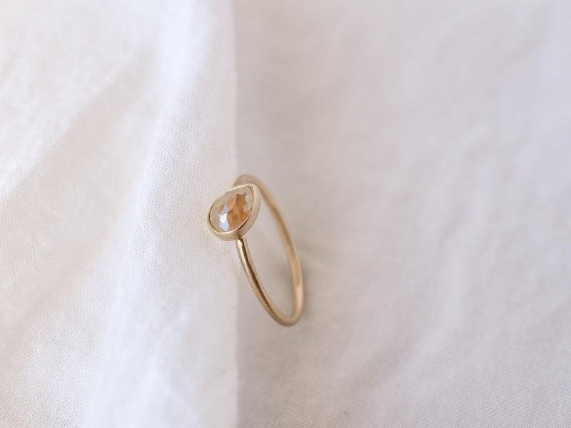 Frosted Bezel Diamond Ring Milk Beige Drop