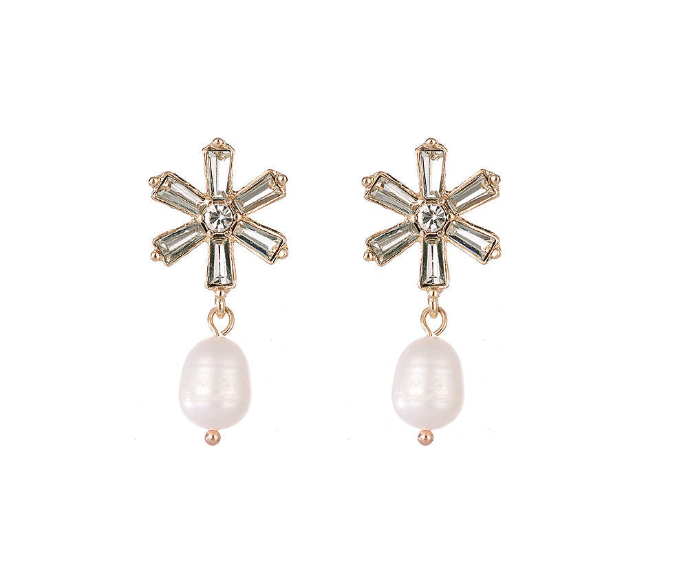 Star shaped filled stud with pearl drop earrings