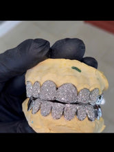 Load image into Gallery viewer, 14K Vs Diamond Grill 16 Teeth