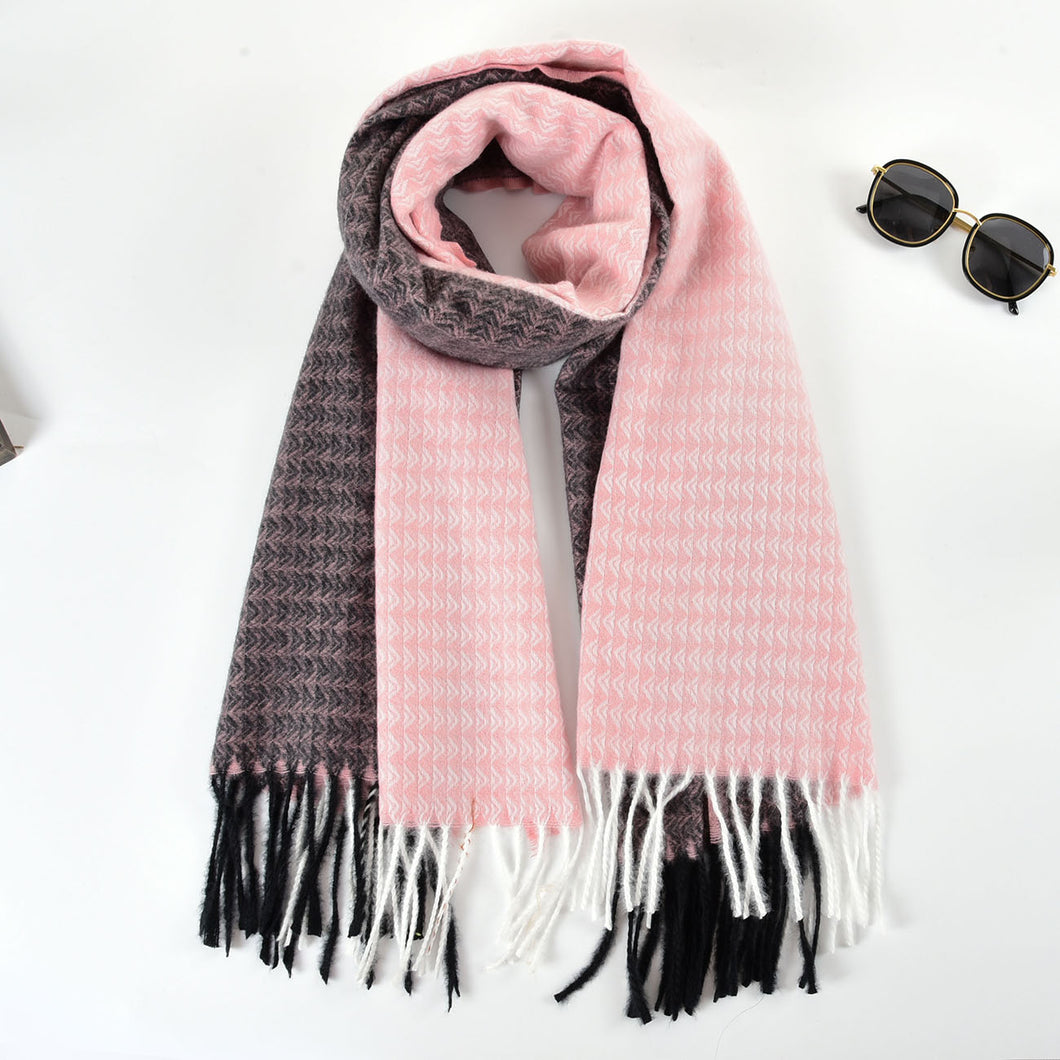 Triangle fringed scarf Pink