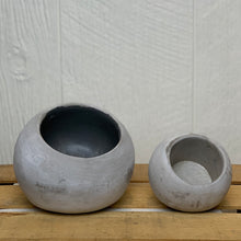 Load image into Gallery viewer, Round Cement Planters