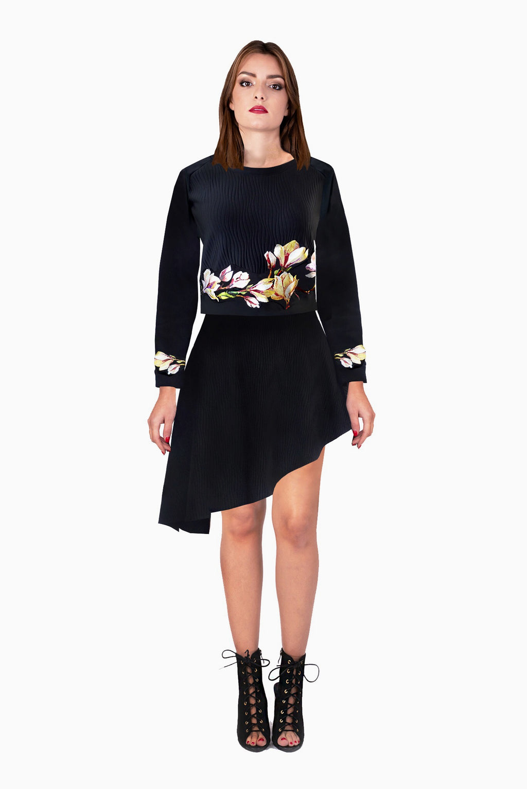 Cropped sweater with neoprene flowers