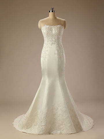 Elegant Strapless Lace Mermaid Wedding Dress