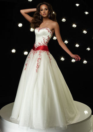 Strapless Emboridered Ball Gown Home Coming Dress HB124A