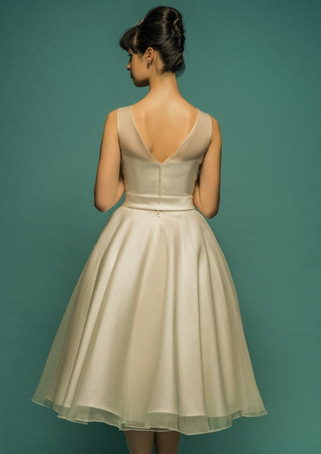 Retro Vintage Tea Length Organza Wedding Dress with V Back
