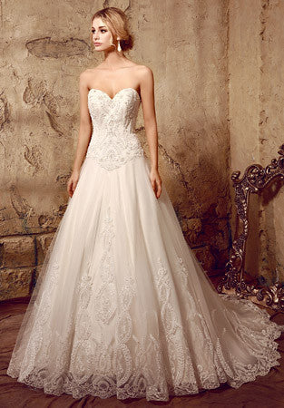 Timeless Strapless Lace Wedding Dress with Sweetheart Neckline | HL1014