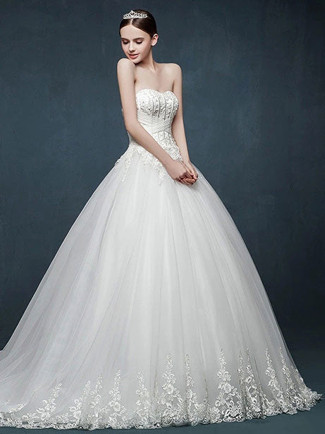 Strapless Lace Ball Gown Wedding Dress with Sweetheart Neckline ...