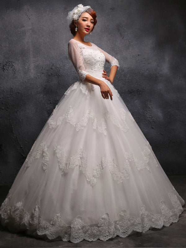 Victorian Vintage Style Lace Debutante Ball Gown Wedding Dress with 3/4 Sleeves X024