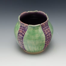 Load image into Gallery viewer, Early Spring Vase, lavender