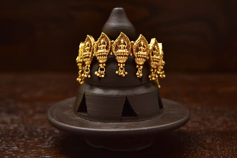24K Gold Plated Intricately Handcrafted Antique Brass Kada Engraved With Goddess Laxmiji (Pack Of 1)