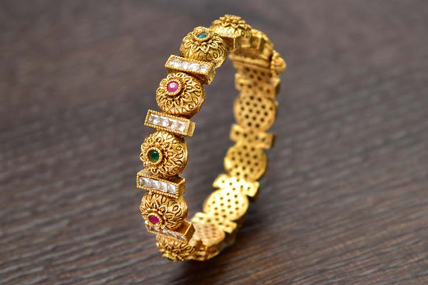 24K Gold Plated Intricately Handcrafted Antique Brass Kada Glided With Kempu & Emerald & White Stones (Pack Of 1)