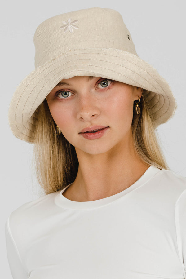 FLOWER POWER BUCKET HAT - sand