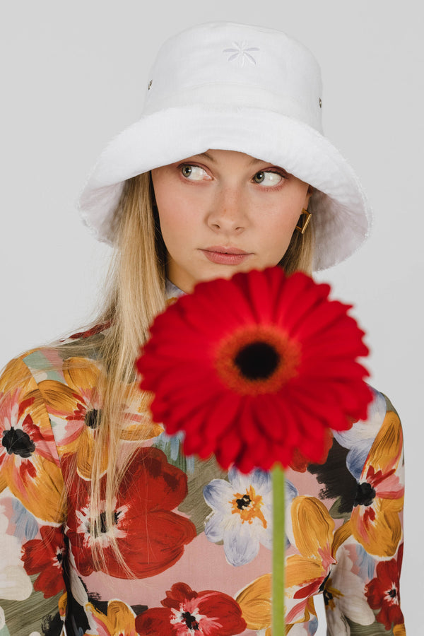 FLOWER POWER LINEN BUCKET HAT - WHITE