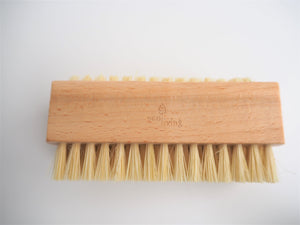 zero-waste-subscription-box-natural-nail-brush