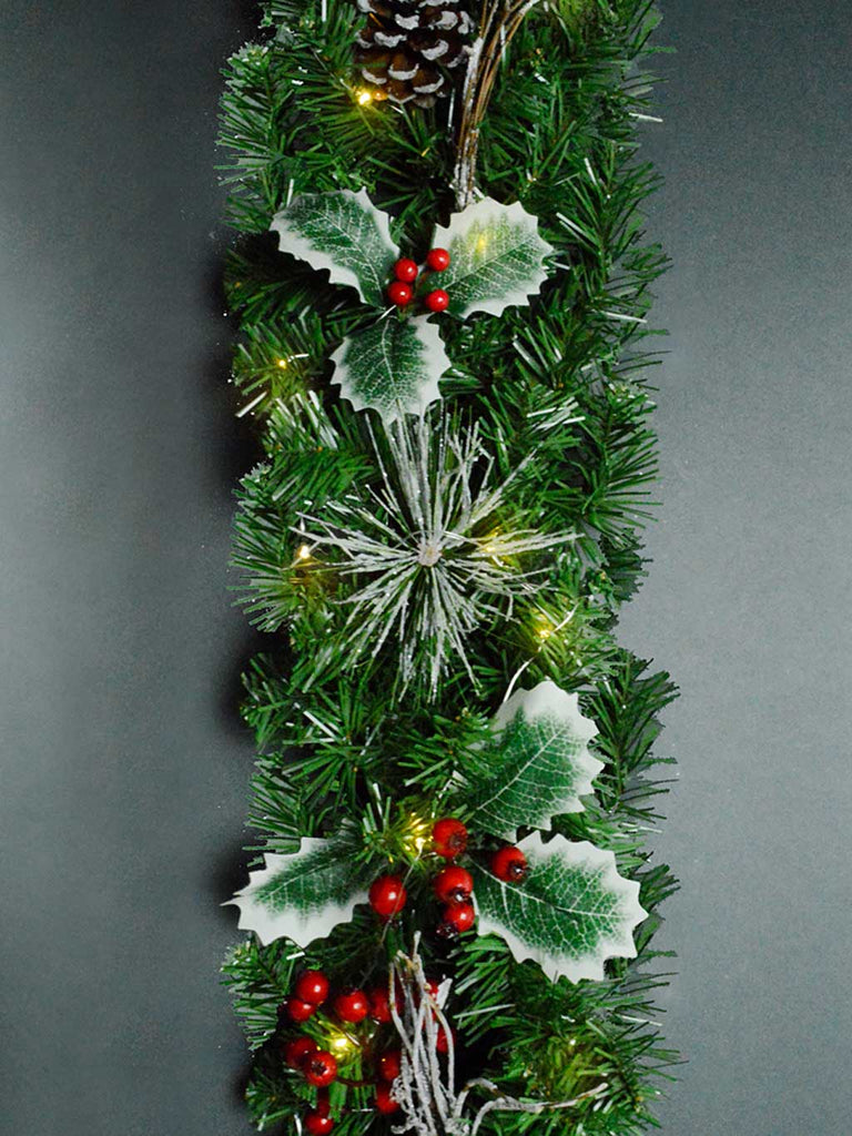1.8M (6ft) Pre-Lit Holly Garland