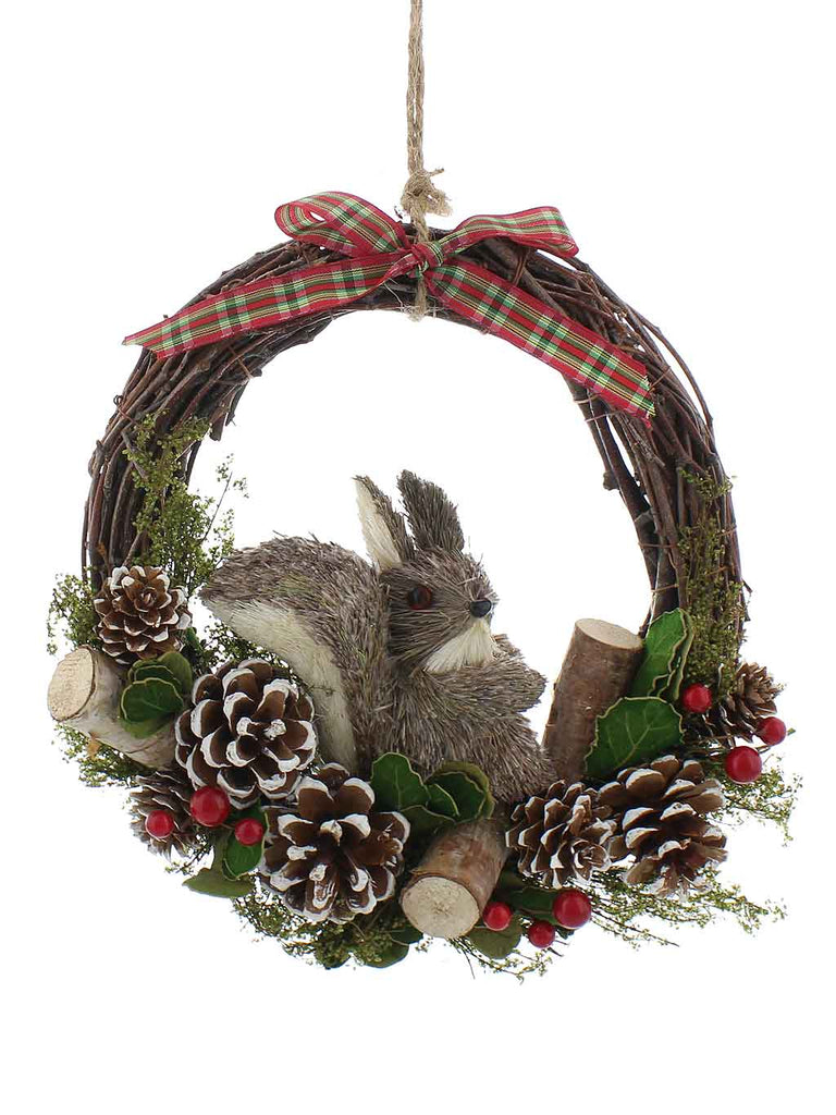 25cm Rattan Wreath with Red Berries & Squirrel