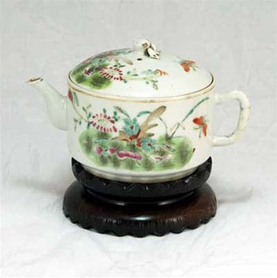 "19th Century Famille-Rose Porcelain ""Meadow Design"" Hand-Painted Teapot"