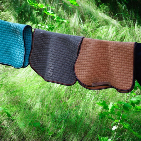 How to dry your saddle pad - Active Equine