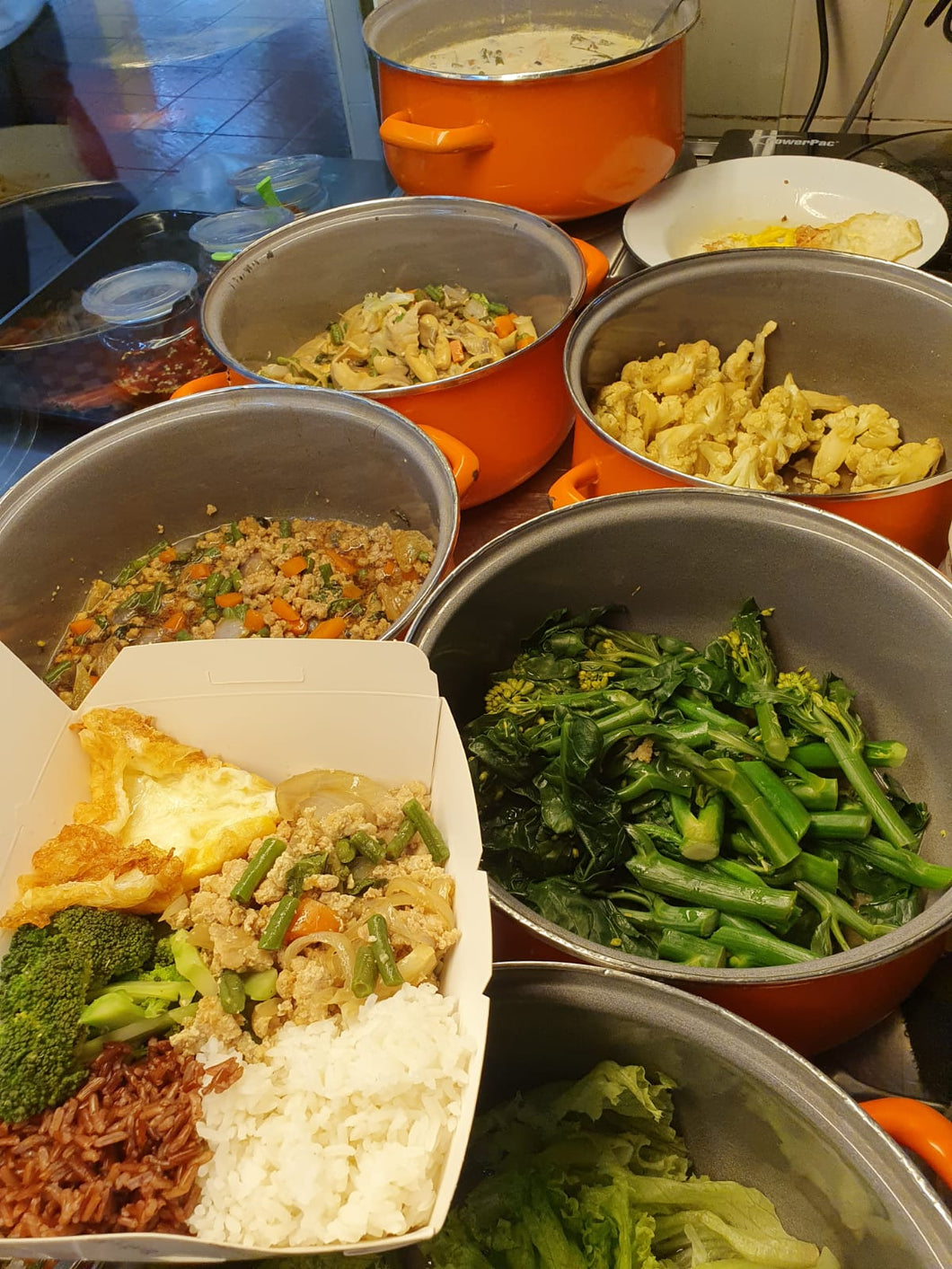 Party for 6 Pack - Thai Express Lunch Set (Chicken)
