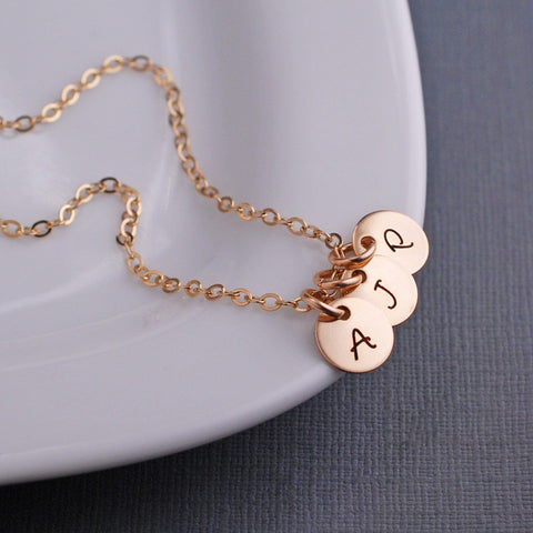 Engraved Initial pendant necklace - gold