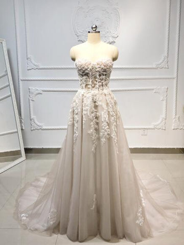 Sweetheart A-Line Crystal Beaded Lace Wedding Dress