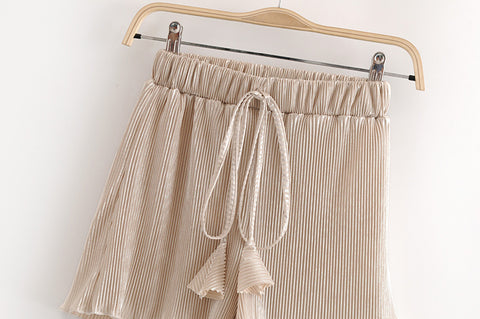 vintage chic fashion solid color pleated bohemian shorts