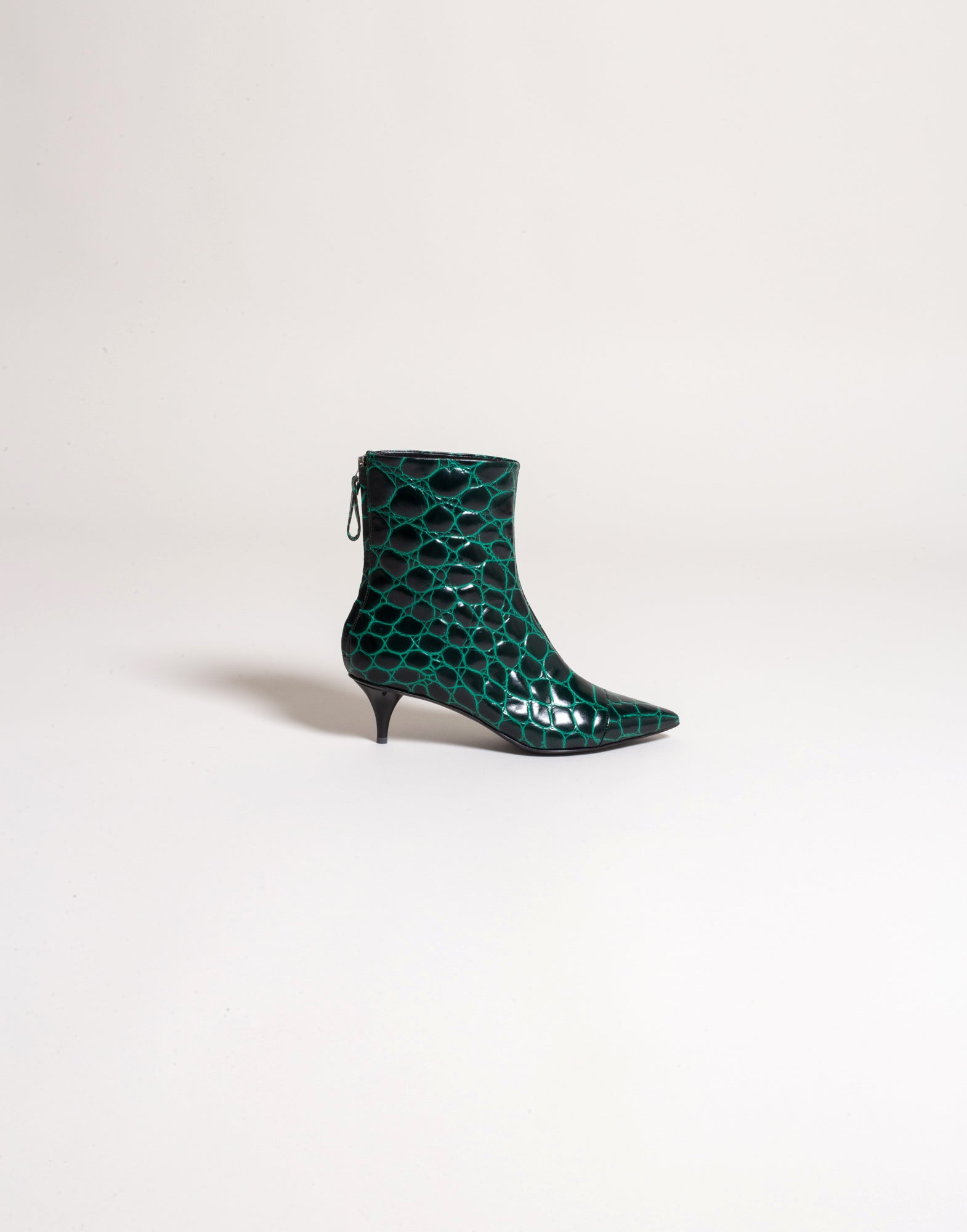 Leather ankle boots with crocodile print
