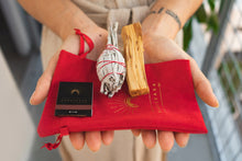 Load image into Gallery viewer, Namaskarasu California Smudging Bundle Kit - 1 x White Sage - 1 x Palo Santo «SYMMETRY» - NAMASKARASU