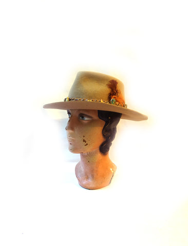 Vintage light tan felt Aussie outback country western cowboy cowgirl hat, Cattleman hat with Australian souvenir badges