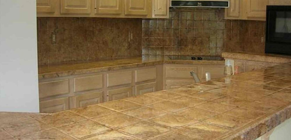 4 Easy Steps to Paint Travertine Tiles