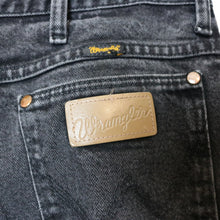 "Load image into Gallery viewer, Vintage Wrangler Jeans - 32""-NEWLIFE Clothing"