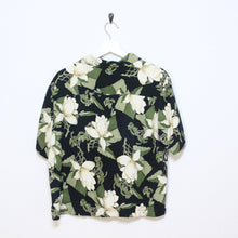 Load image into Gallery viewer, Floral Button Up