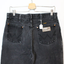 "Load image into Gallery viewer, Wrangler Denim Jeans - 33""-NEWLIFE Clothing"