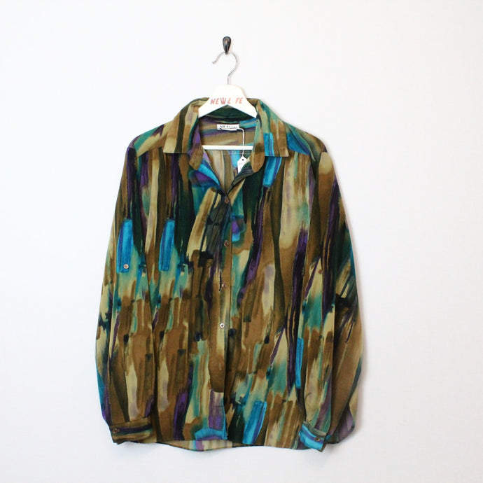 Abstract Print Button Up
