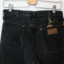 Load image into Gallery viewer, Wrangler Denim Jeans - 30""