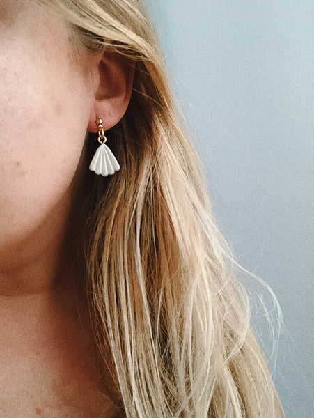 Tuula Earrings in Smooth White Pearl