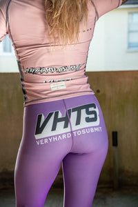 2020 Spats purple 220 GSM Polyester 80% x lycra 20%  grip rubber band inside of end sleeve  Kate Bacik vhts europe