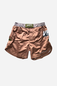 "VHTSNY 2019 Khaki Combat Shorts Compression Gear Fightshorts Grappling Shorts MMA Shorts The shorts is made with 100% Polyester. Tongue style Velcro closure (protecting skin) Elastic waist band Round side split Sublimation printing Flat draw string (plastic dip) Mouth guard pocket 8"" inseam vhts europe"