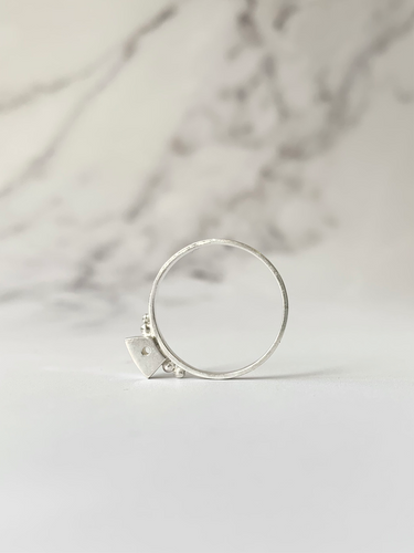 Delicate Voussoir Ring