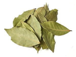 pile of dried bay leaves