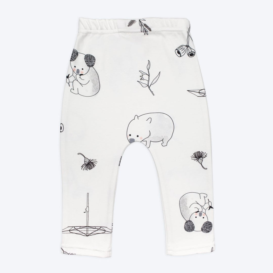 Backyard Friends Leggings
