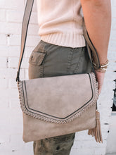 Load image into Gallery viewer, Sloane Envelope Crossbody, Khaki